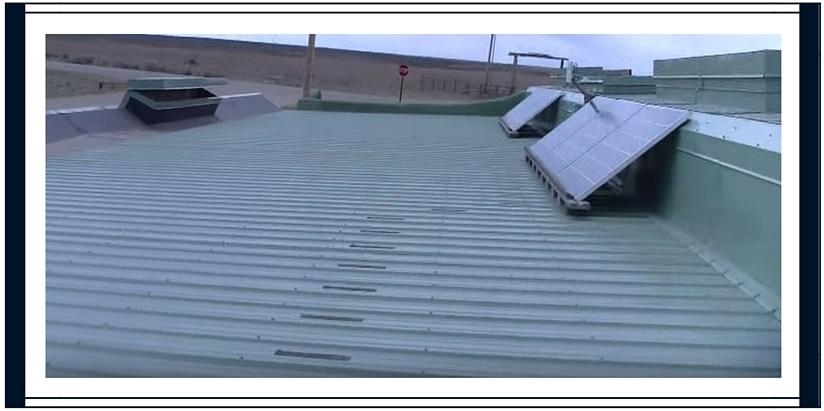 Toit earthship panneau solaire